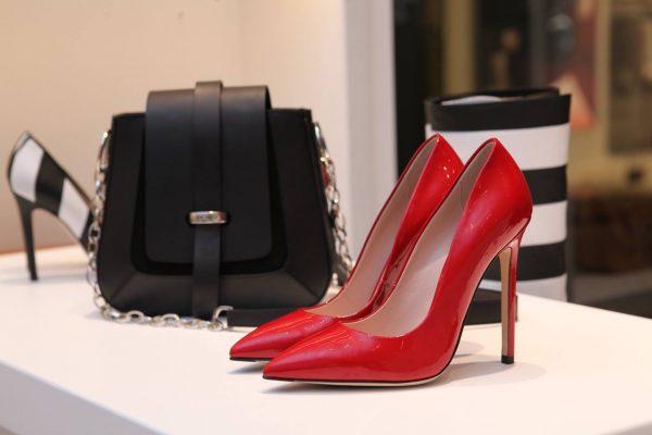 Schoenen onderhouden lakleer