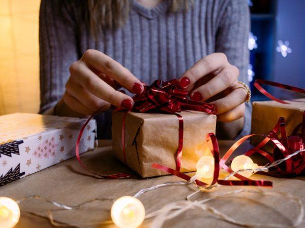cadeau inpakken man