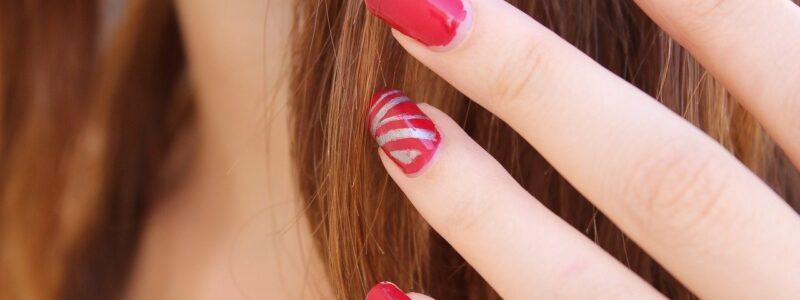 Dit-zijn-de-handigste-tips-bij-het-nagellakken