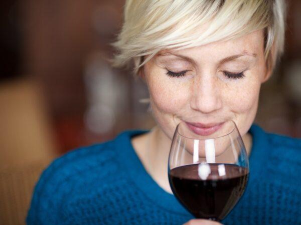 Zo organiseer je een wijnproeverij thuis